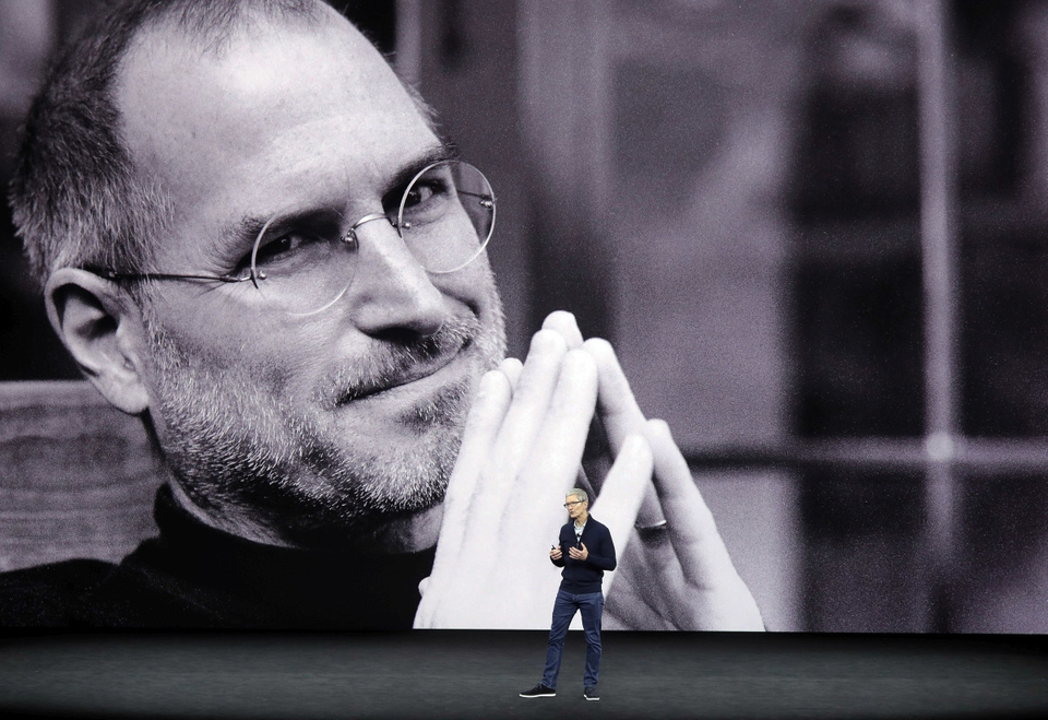 Steve Jobs a Tim Cook