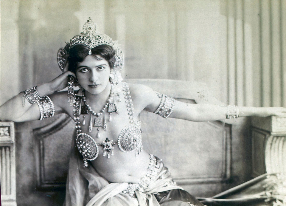 info on mata hari Watch video in the early hours of oct 15, 1917, mata hari — one of the most famous spies of the 20th century — was shaken awake in her prison cell her time had come.